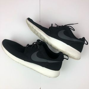 Men's Nike Roshe One Size 11.5